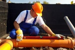 Использование поворотных заглушек трубопроводов в канализационных системах