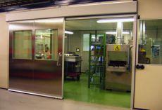 Защитно-герметические раздвижные двери